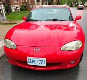 2001 Mazda MX-5 Miata LS Coupe (2 door)
