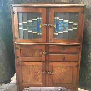 Leadlight kitchen dresser gumtree australia free local for Kitchen cabinets gumtree