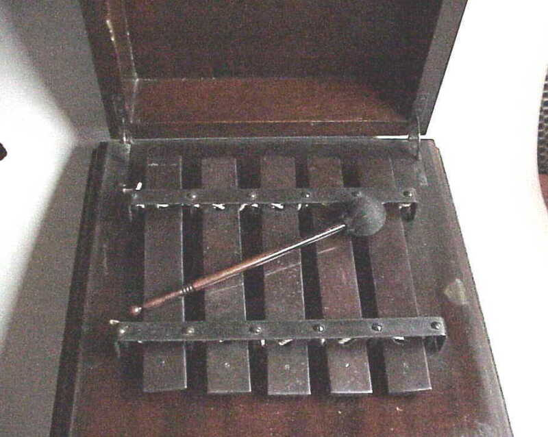 Antique Musicial Instrument Chime in Lidded Mahogany Case. Deagan?