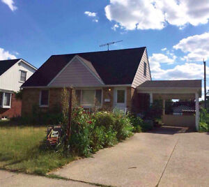 4 Bed 2 Bath South Windsor House Available Sept 1 near Mosque