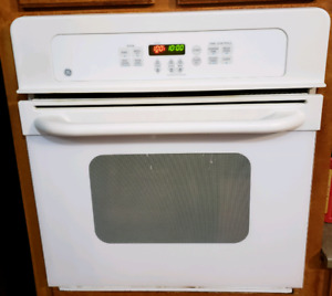 G E Wall oven and cooktop stove