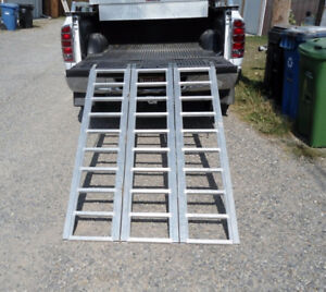 POWERFIST TRI-FOLD ALUMINUM RAMP
