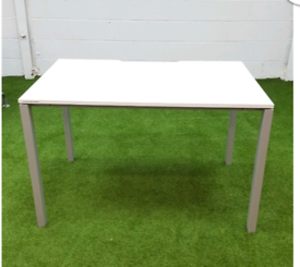 White desk cheap free stall & Delivery London Essex