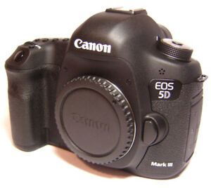 Canon EOS 5D Mark III Digital Camera ONLY 243 shutter actuations