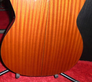 TAKAMINE ELECTRIC CLASSICAL GUITAR West Island Greater Montréal image 2