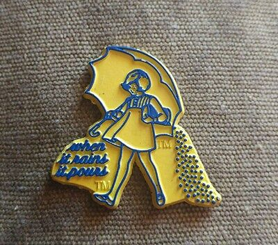 "Vintage Morton Salt ""when it rains, it pours"" fridge rubber magnet"