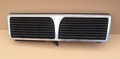 HG318/  Lancia Thema  Kühlergrill Frontgrill Grill Chrom 630834100