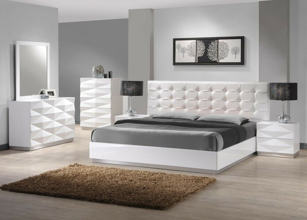 Verona Bedroom Set in White Finish - King Size - 5 Pieces