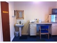 Spacious double room bedsits with bills included