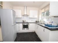 4 bedroom house in Horsham Avenue, Finchley