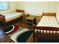 TWIN ROOM FOR 2 FEMALE