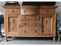 ANTIQUE ARTS & CRAFTS DINING KITCHEN BEDROOM DRESSER CHEST OF DRAWERS CABINET IN OAK BRASS HANDLES