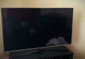 Samsung 40 inch LED TV Series 5 for sale, 2 HDMI plug in and one USB plug in. Good condition.