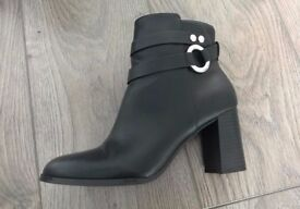 Women's H&M Black Heel Ankle Boots (Size 38/5)
