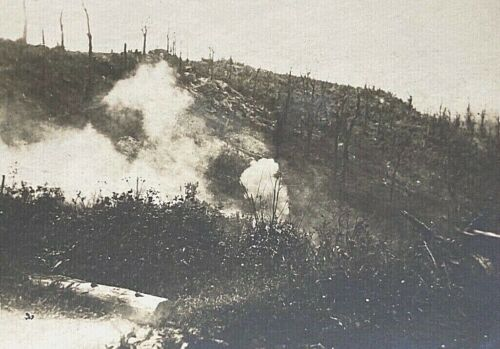 ORIGINAL- WW1 GERMAN VIEW of ENEMY POISON GAS ATTACK PHOTO POSTCARD ID