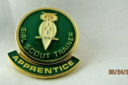 Adult TRAINER PIN, APPRENTIC Rocker, Official Girl Scout Insignia EUC CHRISTMAS