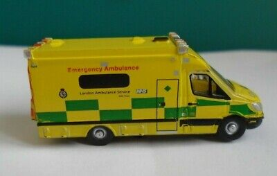 N Gauge Vehicles @160:1 scale model Illuminated Mercedes Ambulance  for sale  Gillingham