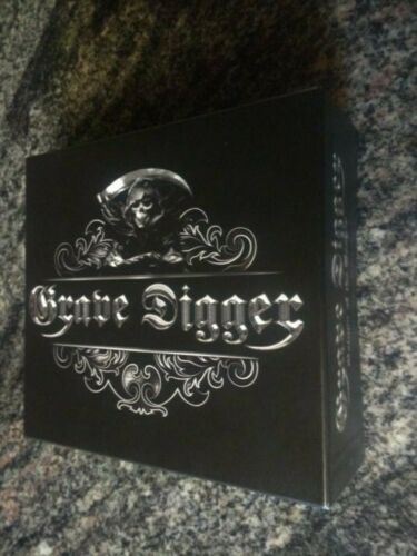 Signed GRAVE DIGGER RETURN OF THE REAPER w/ 2cds flag belt buckle autographed