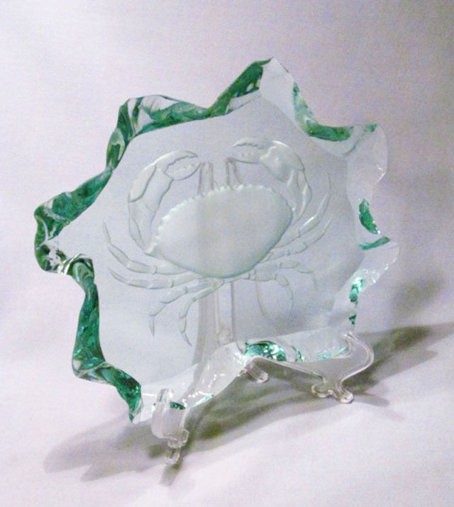 Etched Artist Signed Scrivner 2002 Green Frosted Glass Crab Paperweight Plaque