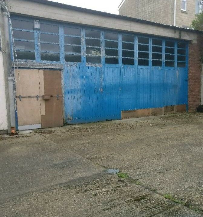 3 2 Car Berth Secure Work Garage Storage To 1m From