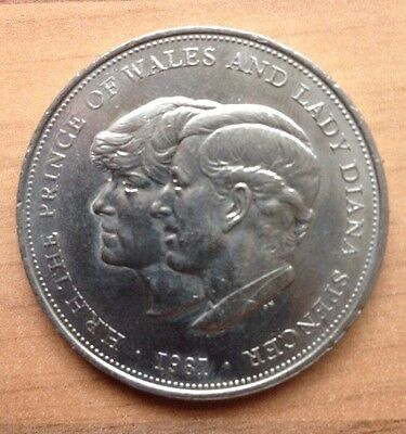 PRINCE CHARLES & LADY DIANA'S WEDDING - Commemorative £5 Pound Coin - 1981