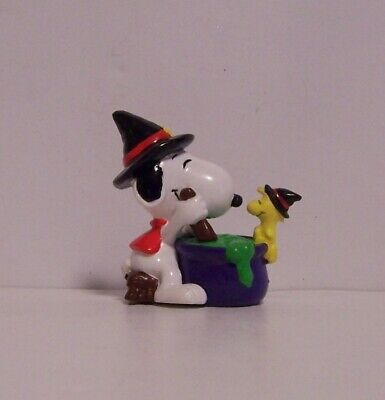 Snoopy Woodstock Witch Halloween PVC Figurine Cauldron Peanuts