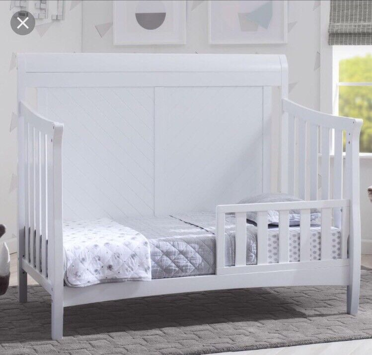 Delta Children Bennington Elite Toddler Guard Rail - White