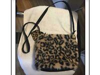 F&F leopard print fur bag can post
