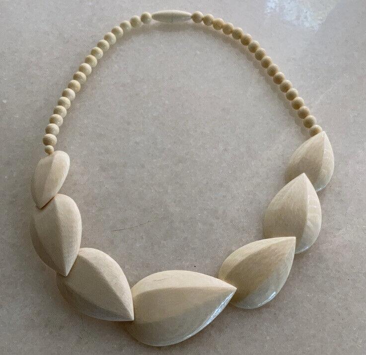 Antique Variegated Cream Carved Polished ivory Bead Art Deco necklace Japan