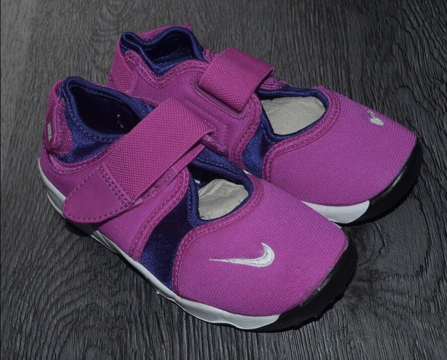 NIKE TODDLER LITTLE RIFT TRAINERS UK SIZE 9.5 BRAND NEW WITH BOX