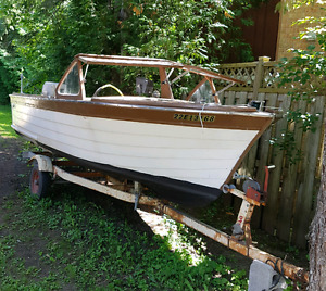 Antique 1962 Penn Yan Boat