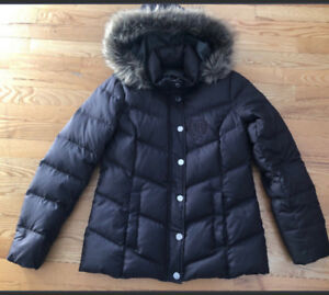 Women's Tommy Hilfiger down filled winter jacket in great shape