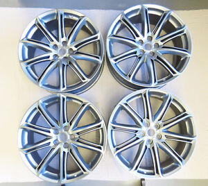Land Rover Range Rover Alkatec SET OF 4 22 inch mag wheels