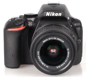 NIKON D5500 with 18-55mm VR II Lens Kit 24.2MP | EXCELLENT COND.