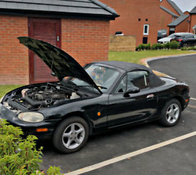 Mazda MX-5 1.8l Convertible (project car) Great engine and interiors