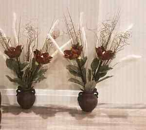 Hanging wall pots with flowers Kitchener / Waterloo Kitchener Area image 1