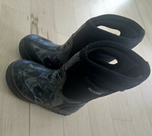 BOGS winter boots, toddler size 8 - as is