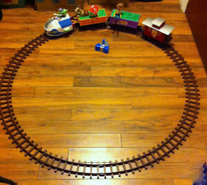 TOY STORY 2 interactive talking train set with remote