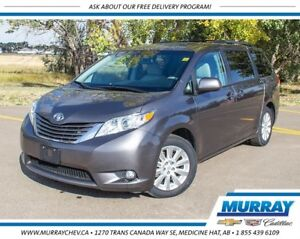 2011 Toyota Sienna XLE AWD *Leather *Heated Seats *7 Pass