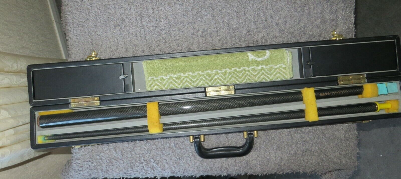 C and M Elite 9GWG Graphite Snooker Cue with BCE Hard Case and Accessories