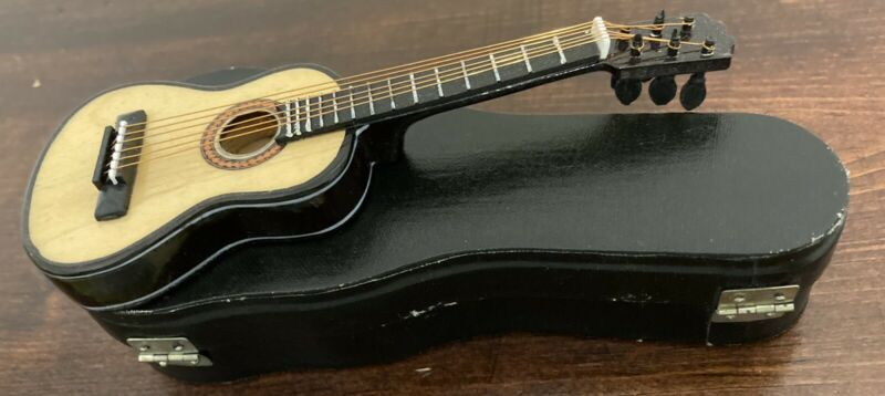 MINITURE GUITAR WITH CASE