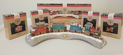 Hallmark 1991 Reach Set Claus & Co Railroad Complete Train with Treastle Display