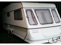 Twin axle family caravan