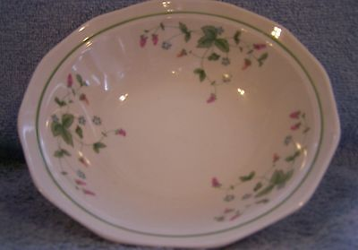 Mount Clemens Wild Berry- (3) Soup Cereal Bowls - 6.5