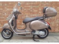 Vespa GTS 300, As new condition, ONLY 875 MILES!