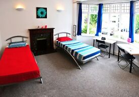 ~Brent Cross Twin room for Friends or couple! All bill includ