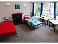 Single Bed in Spacious and Luminous Rooms in Big House Near Brent Cross Station