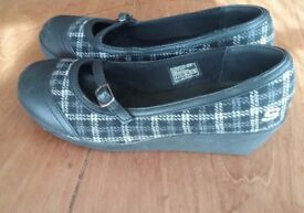 Skechers Wedged Shoes Size 3