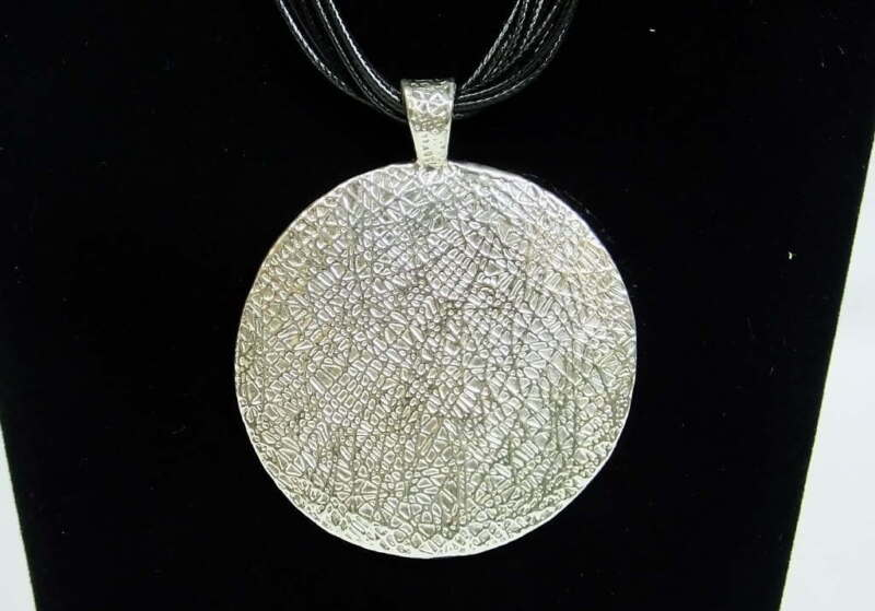 925 Sterling Silver Jewelry Ladies Necklace w/Textured Sterling Silver Pendant