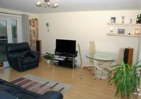 **Immaculately presented top floor flat - Watford WD18**